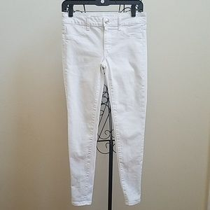 Women's American Eagle white super stretch jeans